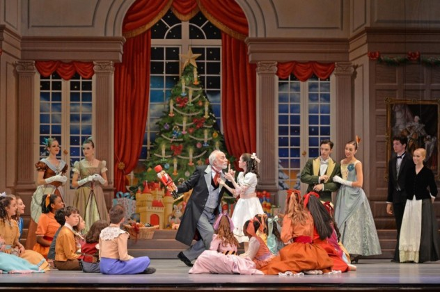 6_charlotte-ballet_jean-pierre-bonnefouxs-nutcracker_-rosie-morrison-as-clara-and-mark-diamond-as-herr-drosselmeyer-_photo-by-peter-zay_web-1024x682