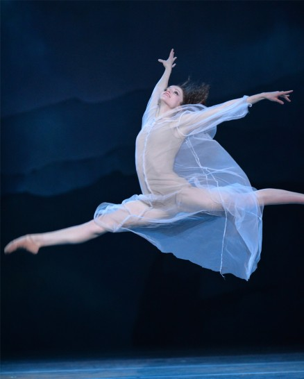 Charlotte Ballet_Sasha Janes Wuthering Heights_ Chelsea Dumas_photo by Peter Zay
